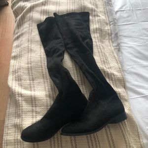 Knee-high Black Suede Boots (8)